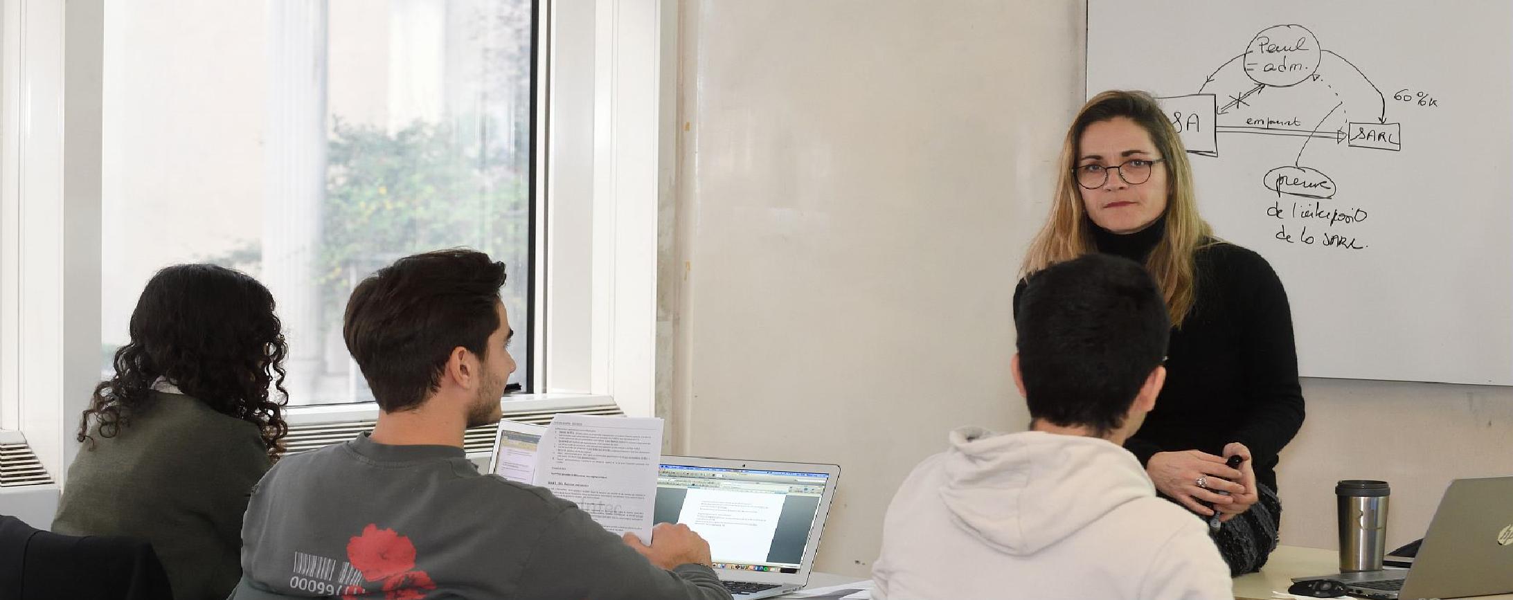 Eleves en ressources humaines RH et gestion de la paie au Cnam