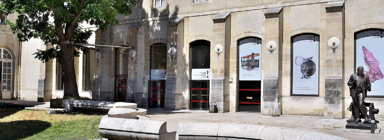 Le Musée des arts et métiers peut être considéré comme l'un des plus anciens musées techniques et industriels au monde. Son histoire est intimement liée à celle du Conservatoire national des arts et métiers (Cnam), dont il est l'une des composantes.